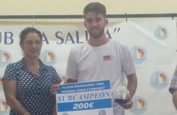 """Pepe Juárez recogió su premio de subcampeón del Open """"Memorial Manolo Fernández"""" de San Fernando"""